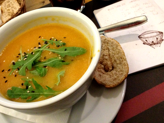 Catalan-style vegetable soup