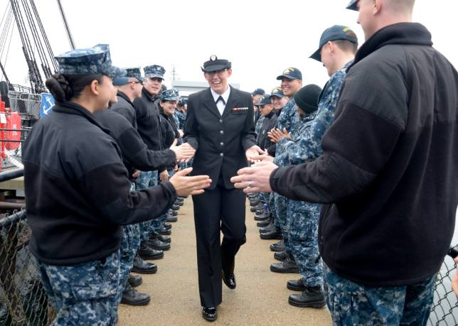 Bri Date goodbye, photo US Navy