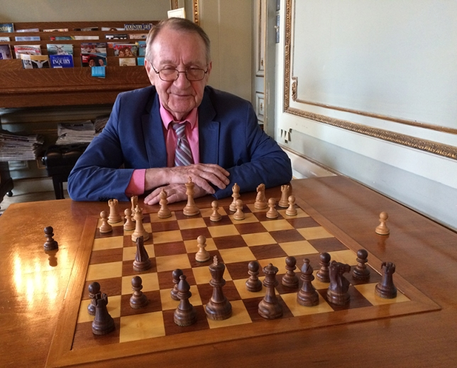 Playing chess with Sagdeev at the Cosmos club